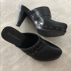 Enzo Angiolini Wood + Leather Black Clogs Saveiae